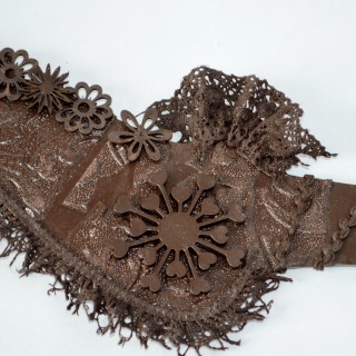 Sculpting lace with Powertex