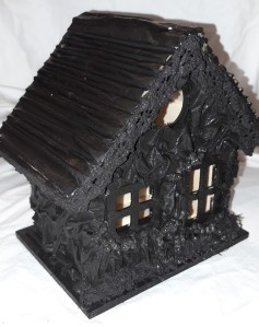 Decorate the bird house using Powertex Universal Medium